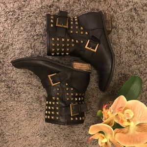 ☠️forever 21 studded boots-black-size 7.5/8 ☠️
